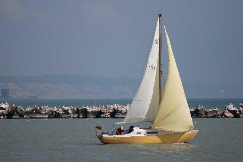 DSC_2733-YellowSailboat.jpg